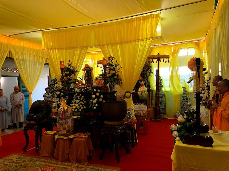 GĐPT Cam Ranh đảnh lễ Giác linh Hòa Thượng Thích Minh Khai