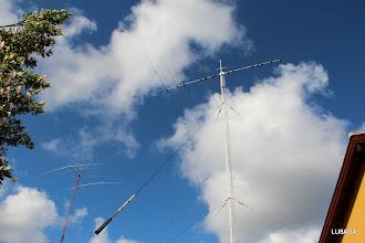 Photo: Las dos torres con sus antenas