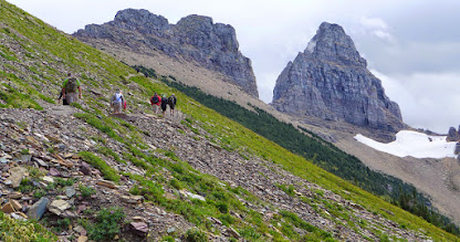 Photo: More hikers heading up to the Grinnell Overlook.