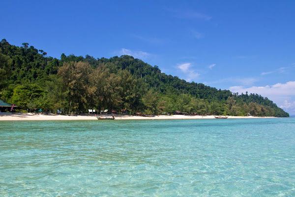 Arrival at Koh Ngai Resort