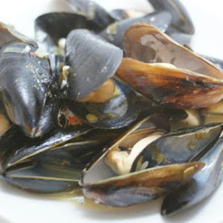 Steamed Mussels With Garlic & Chiles