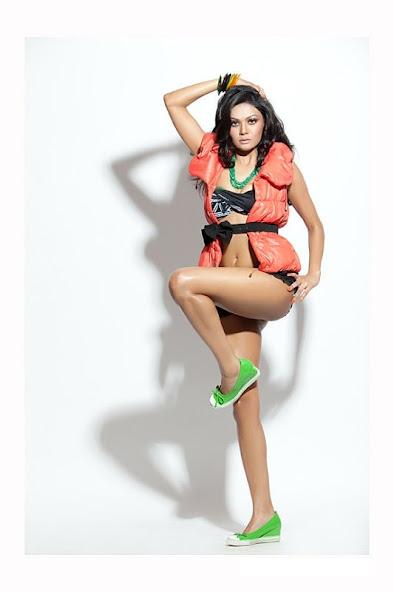 Sakshi Pradhan hot back, Sakshi Pradhan sexy back phtoos