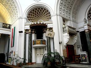 Photo: A kápolnák szobrait, a szószék domborműveit Füredi Richárd készítette.