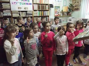 Photo: Pasowanie na czytelnika klas I SP