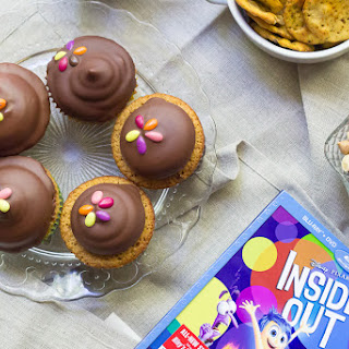 Take Her to the Moon Pie Cupcakes