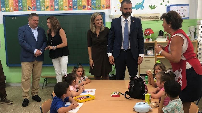 Diego Cruz, María del Carmen Castillo, Maribel Sánchez y Ramón Fernández-Pacheco han visitado a los alumnos de Infantil.