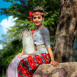 Samoland - Martha  by Dian Manik - People Professional People