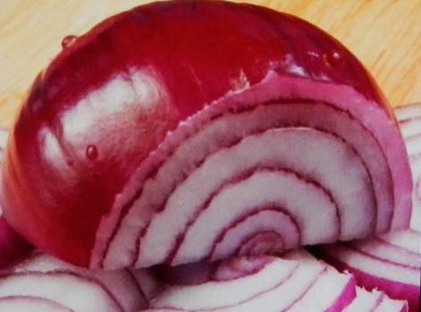 Peel and thinly slice onions. Separate into rings.