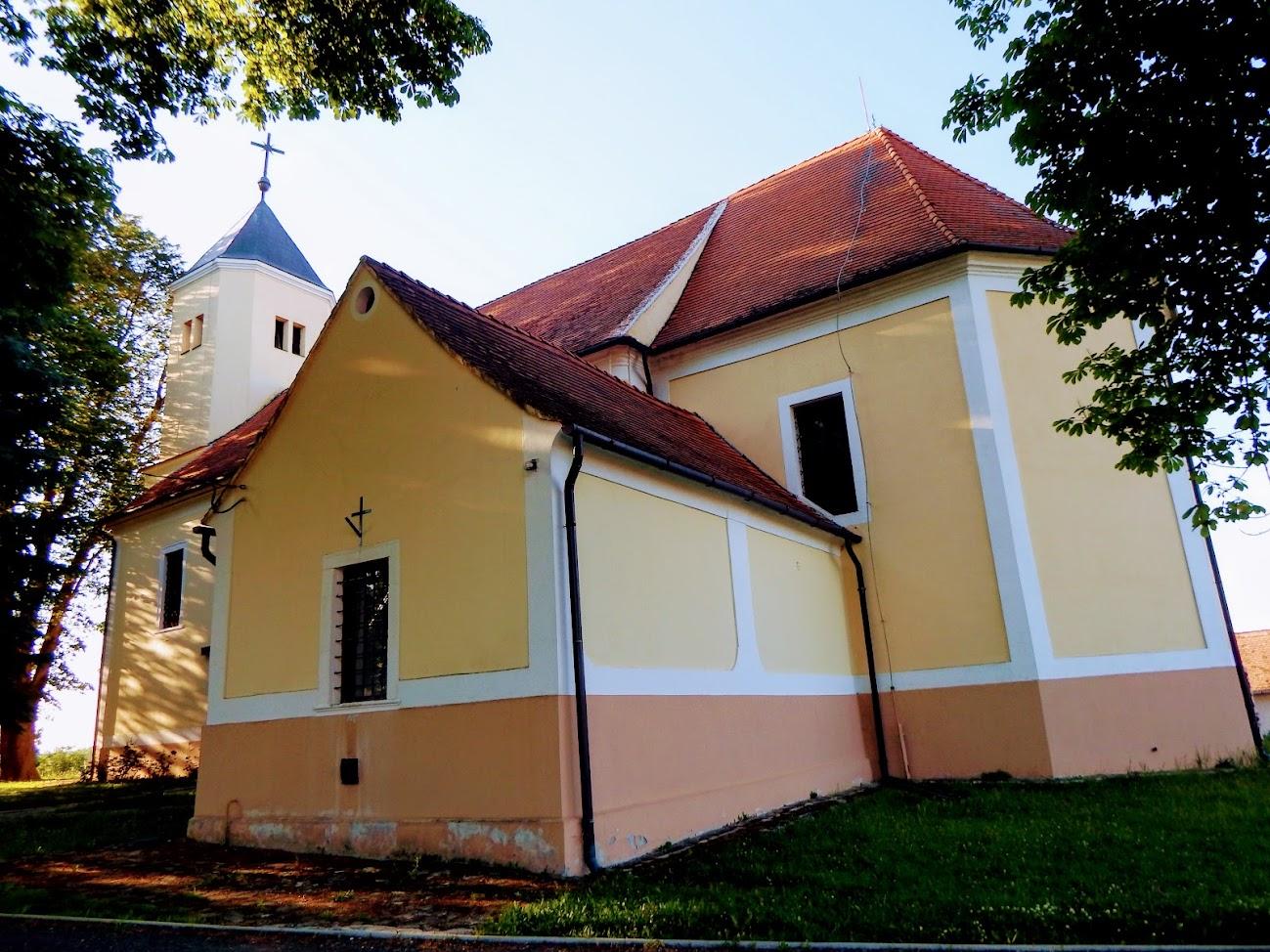 Páka - Szent Péter és Pál apostolok rk. templom