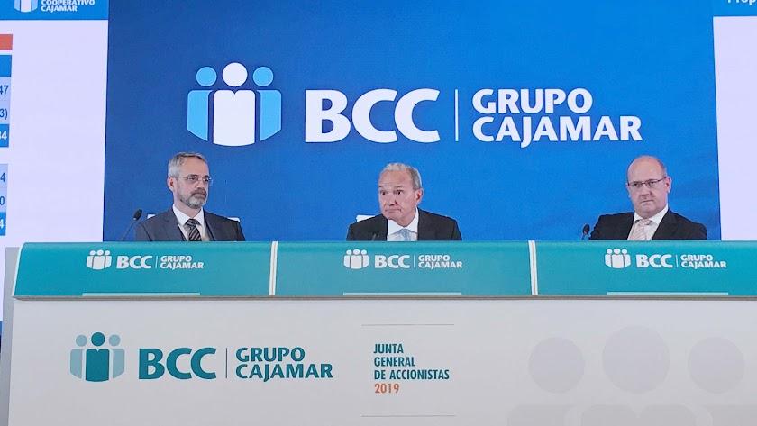Junta General de Accionistas celebrada ayer, presidida por Luis Rodríguez y Manuel Yebra (Consejero delegado).