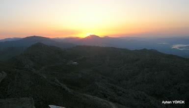 Photo: Nemrut Dağı'nda güneş doğuyor. Saat: 05:09 Karadut Köyü-Kahta-Adıyaman- 22.05.2016 Mezopotamya (Gaziantep-Şanlıurfa-Adıyaman Nemrut Dağı)  Etkinliği. - 19-20-21-22 Mayıs 2016