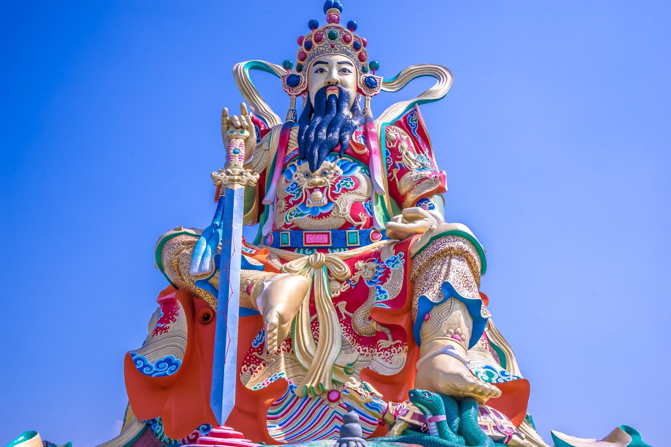 Kaohsiung Lotus Pond Statue of Taoist God Xuan-Tian-Shang-Di2