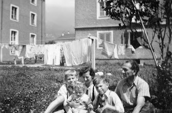 Photo: Innsbruck: Franz, Norbert, Tante Zenzl, walter, Onkel Josef