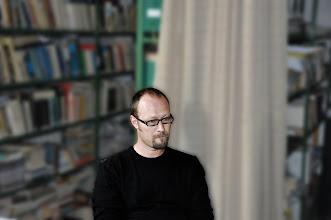 Photo: Natáčení s odborníkem na holocaust, panem Petrem Šimíčkem, který je středoškolským profesorem dějepisu na gymnáziu Olgy Havlové v Ostravě-Porubě (začátek září 2011).