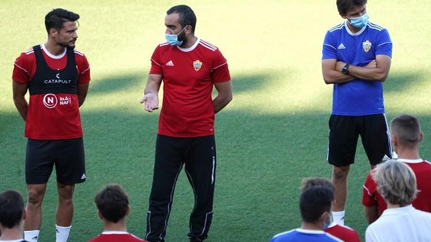 Mohamed El Assy ha dado ánimos a la plantilla.