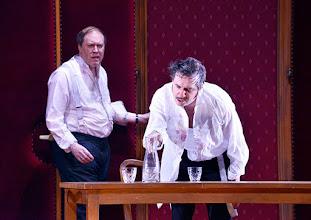Photo: WIEN/ Burgtheater: Eugène Labiche ‹Die Affäre Rue de Lourcine›. Erweiterte Fassung von Elfriede Jelinek. Premiere am 18.4.2015. Nicholas Ofczarek, Markus Meyer. Copyright: Barbara Zeininger