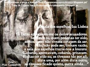 Photo: A sala dos espelhos, Isa Lisboa  Para ler o texto completo, sigam por aqui:  http://instantaneospretobranco.blogspot.pt/2013/05/a-sala-dos-espelhos-mirror-room.html