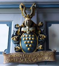 Photo: Wappenschild der Familie von Bülow ohne den Pirol  http://www.dorfkirchen-in-not.de Email: w.kawan@dorfkirchen-in-not.de Bankverbindung: Evangelische Kreditgenossenschaft Kontonummer: 731 14 00 Blz.: 520 604 10