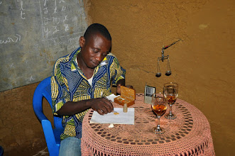 Photo: weighting gold before will be sold to a middleman
