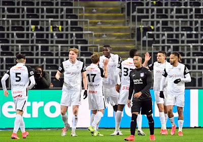 Fin du rêve pour Anderlecht, Genk rejoint le Standard en finale
