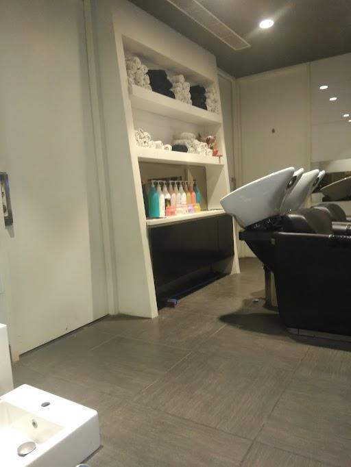Looks Unisex Salon photo