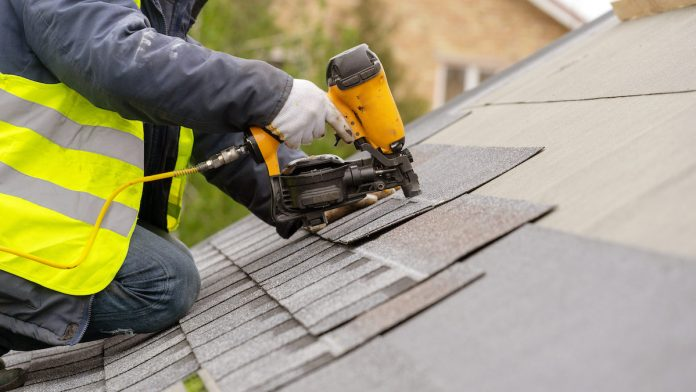 The Advantages of Hiring a Professional for Your New Roof