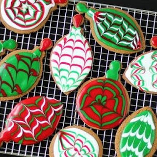 Christmas Ornament Gingerbread Cookies.