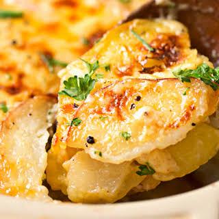 Garlic Parmesan Cheesy Scalloped Potatoes.
