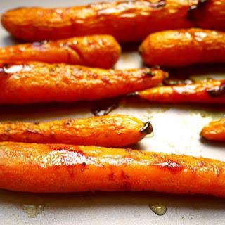 Maple Glazed Turmeric Carrots (Paleo, GF).