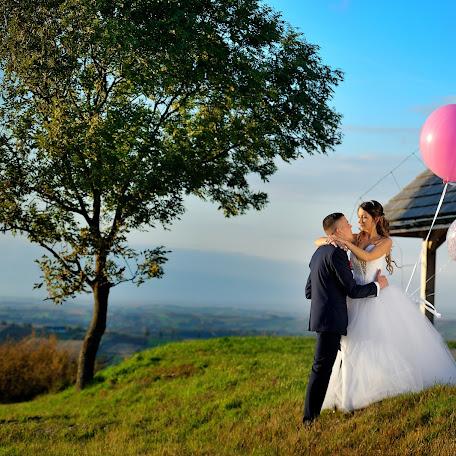 Wedding photographer Rafał Niebieszczański (RafalNiebieszc). Photo of 28.11.2017