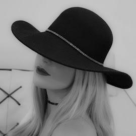 Soft Beauty with a Black Hat by Chantelle Du Toit - Nudes & Boudoir Boudoir ( #nikon #photography #sassy #boudoir #blackhat )