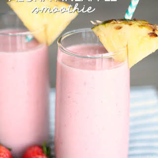 Copycat Jamba Juice Aloha Pineapple Smoothie.