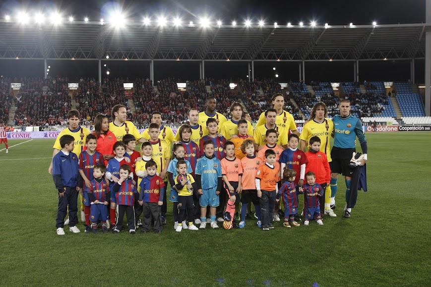El barça con un Messi muy joven en el Estadio de los Juegos Mediterráneos.