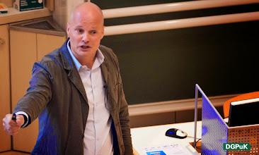 Photo: Keynote von Arnd Benninghoff, Chief Digital Officer der ProSiebenSat.1 Media AG   Foto: Janertainment Janine Amberger