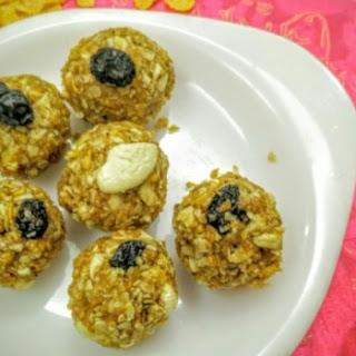 Crunchy Healthy Ladoos.
