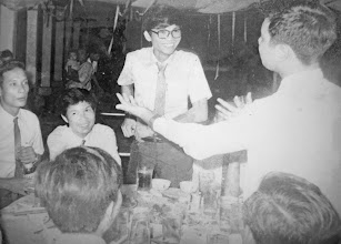 Photo: Thầy  Sâm, Linh, Lợi, Dương  dự đám cưới thầy Tấn năm 1972