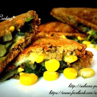 Cheesy Spinach and Corn Sandwich