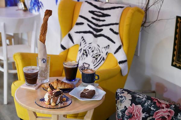 吉十咖啡|酥脆打虎棒|特色戚風蛋糕|自製可頌|下午茶|