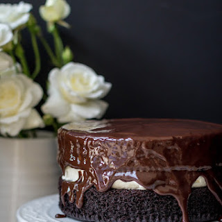 Rich Chocolate Cake with Creamy Vanilla Filling and Ganache Recipe