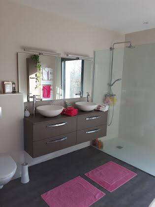 Vente villa 8 pièces 286 m2