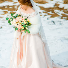 Wedding photographer Roman Popov (fotoroman1). Photo of 03.04.2018