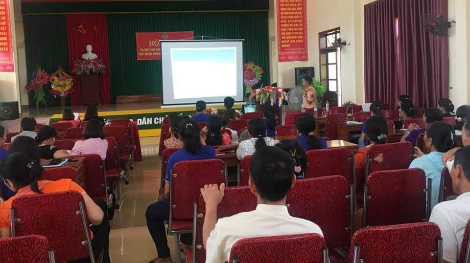 Rất đông hội viên Hội nông dân xã Nghĩa Xuân tham dự buổi tập huấn công tác đảm bảo TTATGT