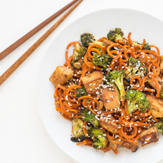 Spiralized Sesame Carrot Tofu Stir Fry.