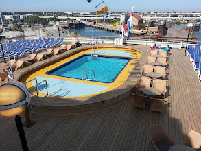 Photo: Adults only Sea View Pool on ms Ryndam.