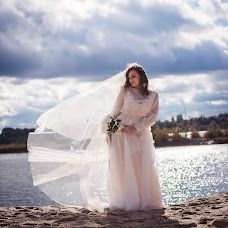Wedding photographer Viktor Ilyukhin (Vitayr). Photo of 19.10.2017