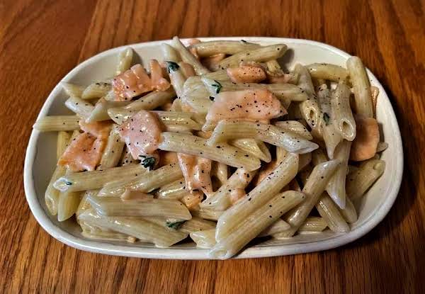 Penne With Cream And Salmon Gravalox