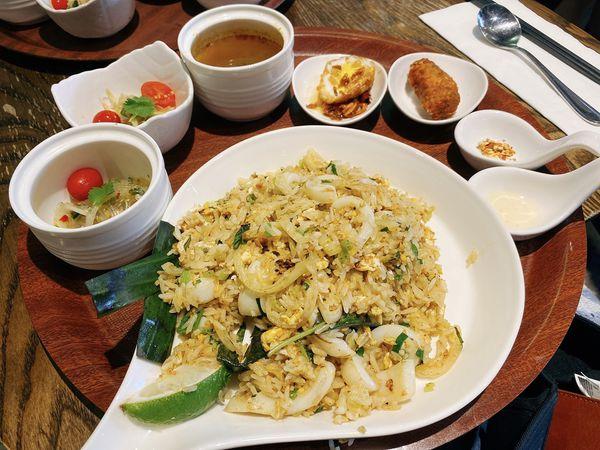 右手餐廳 THAIHAND - 套餐式泰式料理、舒適用餐環境,台北公館美食推薦