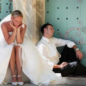rest under the shadow by Philippe Grosvald - Wedding Bride & Groom ( provence, château, saint raphael, wedding, var, mariage, équitation, french riviera, photo, font du broc )