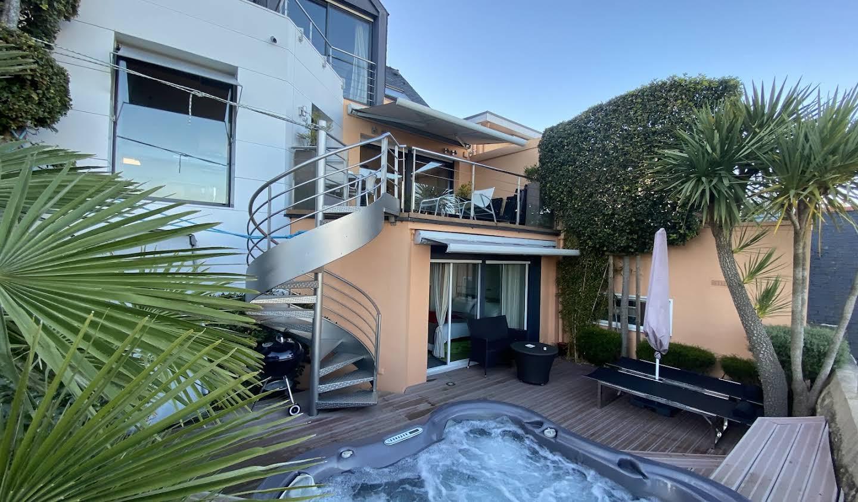 Villa en bord de mer avec terrasse Larmor-Plage