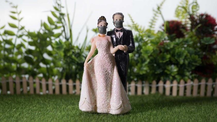 Las bodas podrán celebrarse con hasta 150 personas al aire libre y 75 en espacios cerrados en la fase 3.